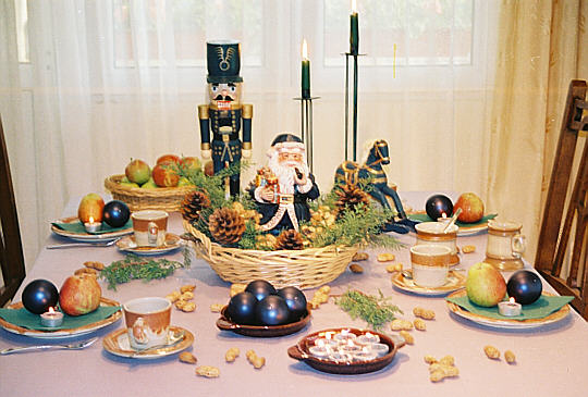 Santa Claus Table decoration with nut breaker