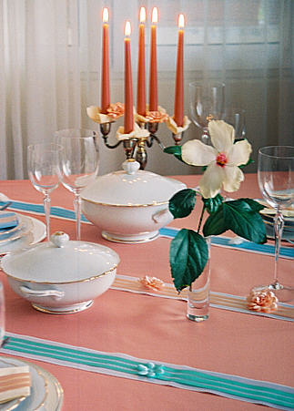Elegantly in fine Colors Table decoration for the baptism of your child