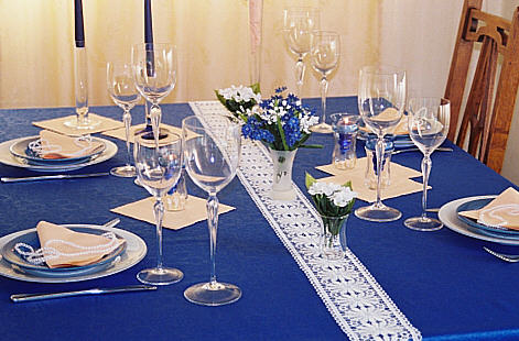 table decoration Solemnly in blue and Apricot